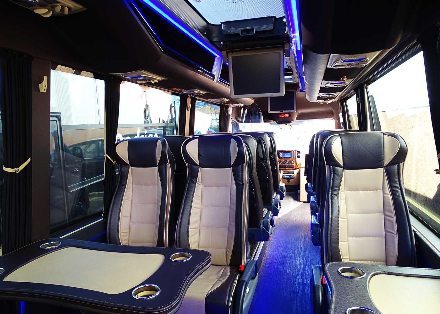 Autocares Rodrigo | Vehículos VIP